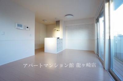 【居間・リビング】クレスト藤ヶ丘ⅢA棟