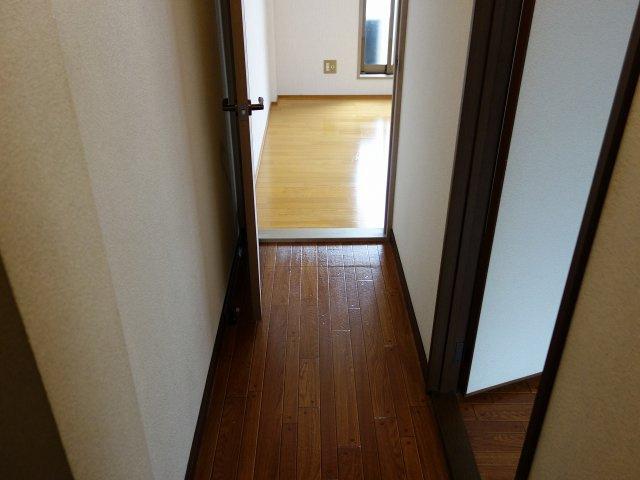 居村マンション 玄関