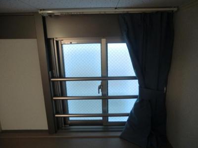 ロフト部窓