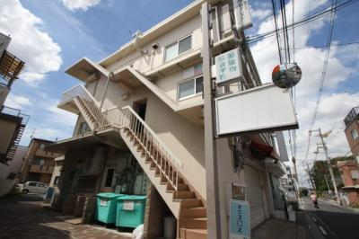 岸田ビル2階A号室