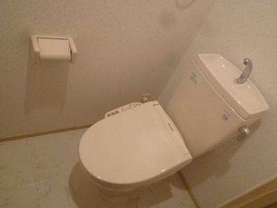 エトゥール博多駅前(2LDK) トイレ