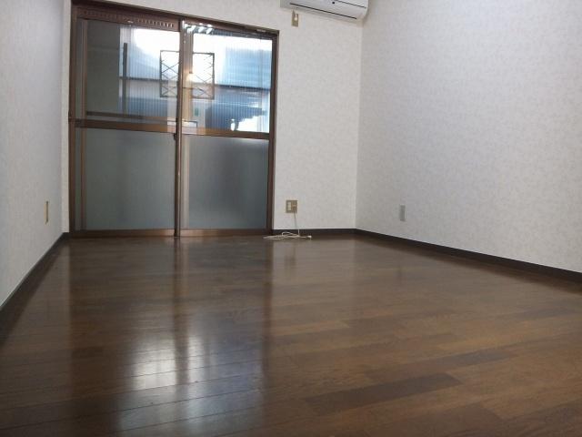 【居間・リビング】ブルーローズハウス