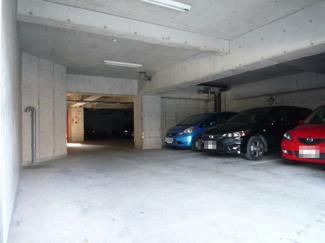 駐車場(屋根あり・屋根なし)