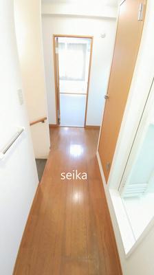 内階段・同タイプ室内※参考写真