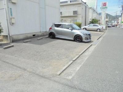 【駐車場】ファミール泉 A