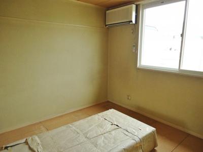 【寝室】ファミール泉 A