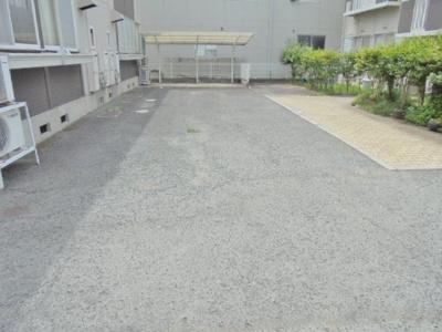 【駐車場】ファミール泉 D