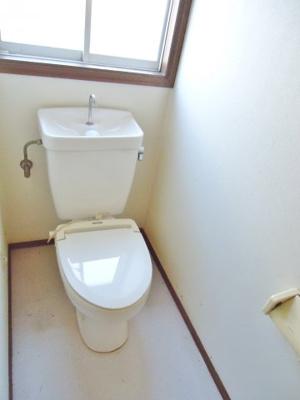 トイレには窓が付いています!