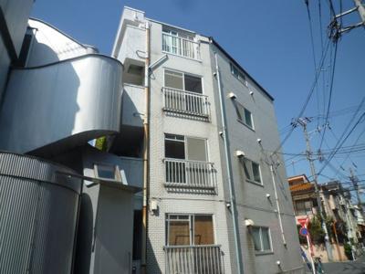 中根橋小学校近隣のマンションです。