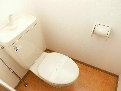 クレベール博多(1LDK) トイレ