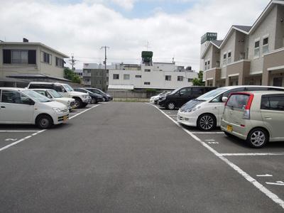 【駐車場】チェリーガーデンコーポ