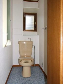 グランヴィスタ寺塚(3LDK) トイレ