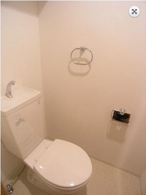 アソシアグロッツォ・クアトロ博多(1K) トイレ