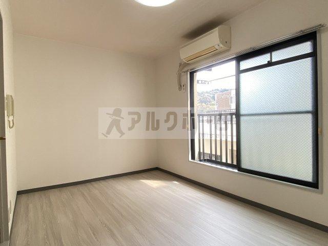 マンションえびす 洋室
