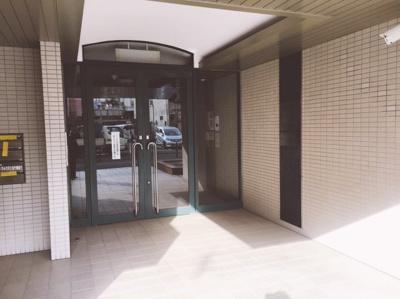 【玄関】フェニ―チェ堺の隣!23.96坪! 事務所
