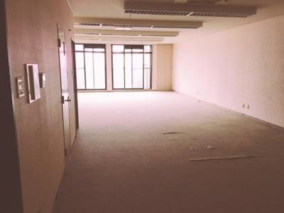 【内装】フェニ―チェ堺の隣!23.96坪! 事務所