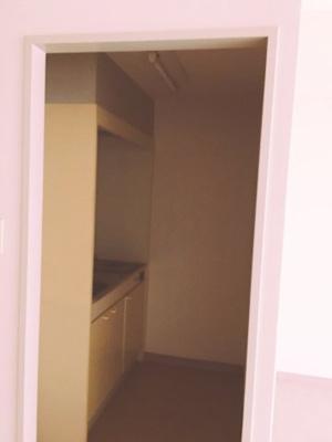 【キッチン】フェニ―チェ堺の隣!23.96坪! 事務所
