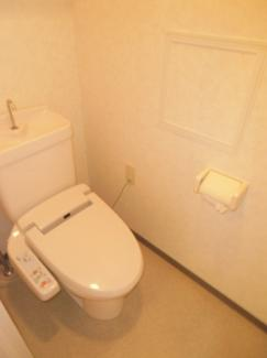 ウォシュレットが設置されている快適なトイレ