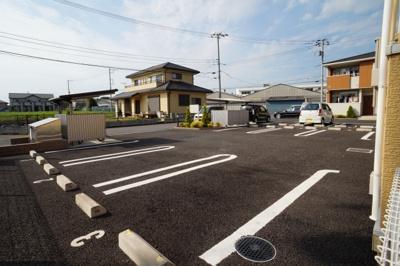 【駐車場】カームリーA