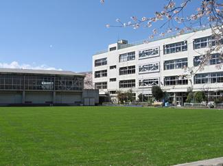 新宿小学校