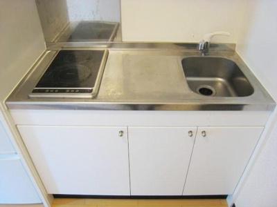 キッチンスペースも有り・2口電気コンロ完備