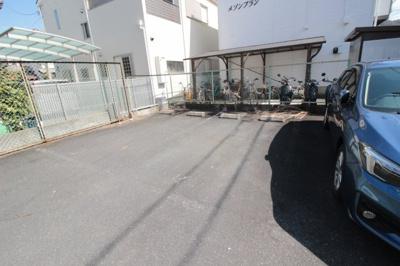 【駐車場】メゾンブラン