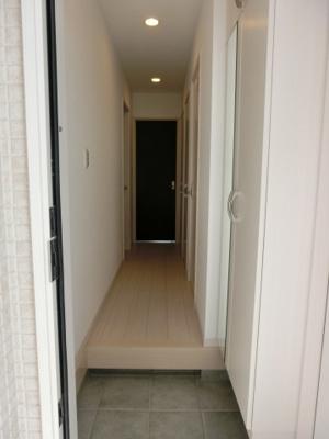 【玄関】ビアンコネロ