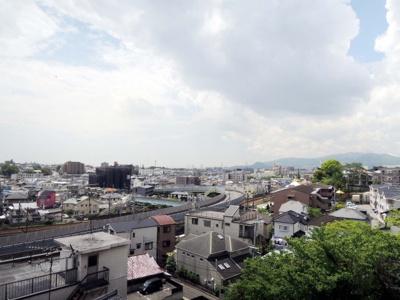 【展望】ステイツ雲雀丘花屋敷 3LDK 2090万円