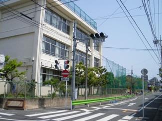 徳持小学校