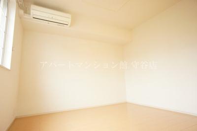 【寝室】エムペソリーナ アン