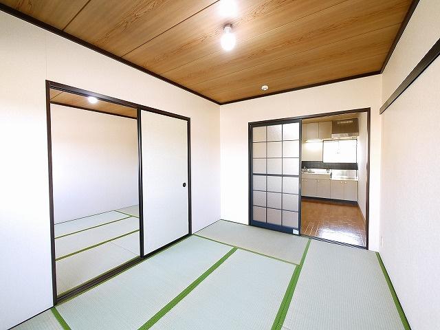 和室がひろがる居住スペースです