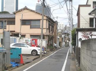 渋谷区代々木4丁目売地6100万円東側道路1