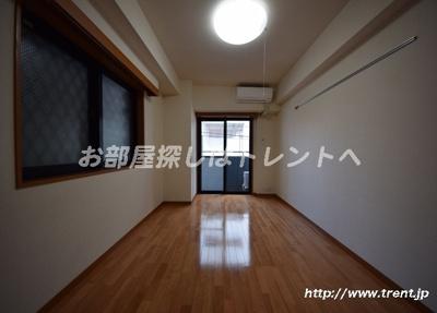 【居間・リビング】ガラステージ神田神保町