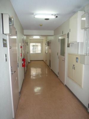 事務所前廊下