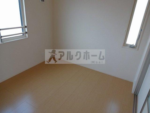 リレーハウス久(柏原市古町 JR柏原駅) 子供部屋