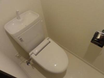 アソシアグロッツォ天神ザ・ガーデン(1LDK+WIC) トイレ