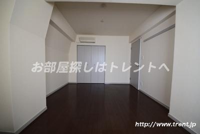 【寝室】ブルーガーデン小石川