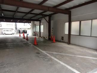 大田自動車工業駐車場