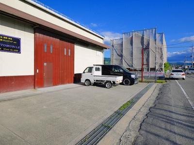 【駐車場】東新堂工場