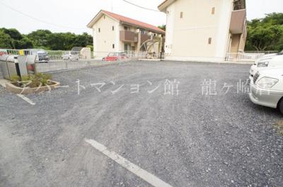 【駐車場】メゾネット佐倉 A