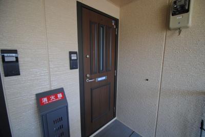 【玄関】ラヴィーンコート