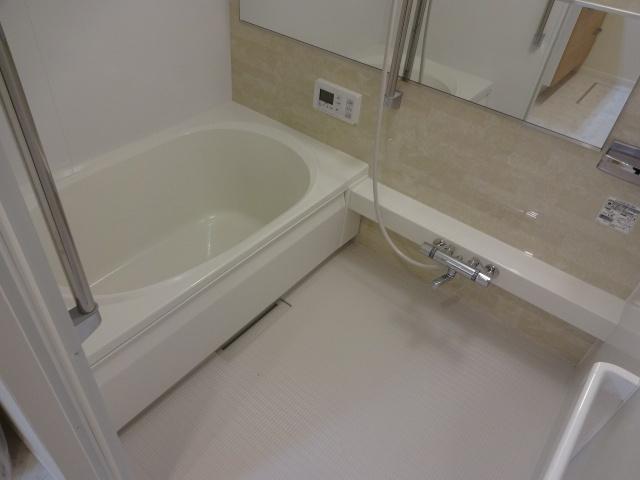 【浴室】シャーメゾンヴィルヌーブ
