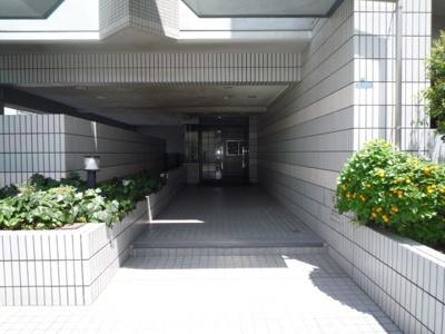 【エントランス】ウエストヴィル八雲