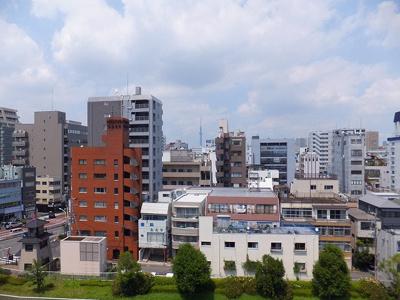 玄関外の景色☆東京スカイツリーが見えます♪