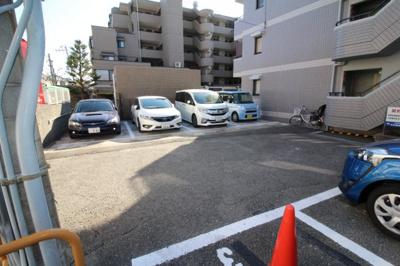 【駐車場】ロイヤル坂口