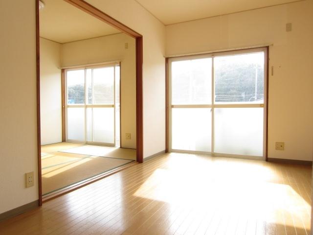 【洋室】サンキスト岡島