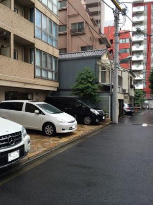 ステージファースト恵比寿東の駐車場です。