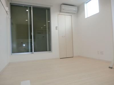 ブラインドサイド幕張の洋室