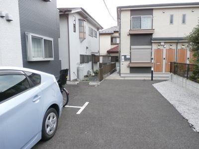 アムール Machidaの駐車場