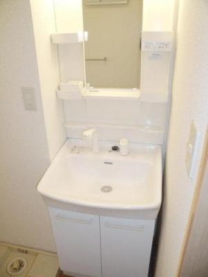 フレンドハウス23の独立洗面台